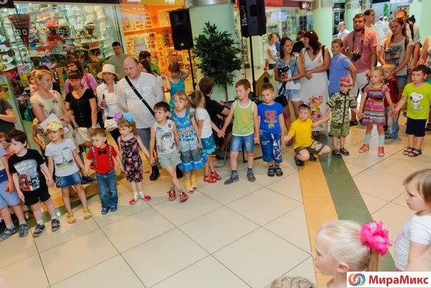 Конкурс детского рисунка в торговом центре